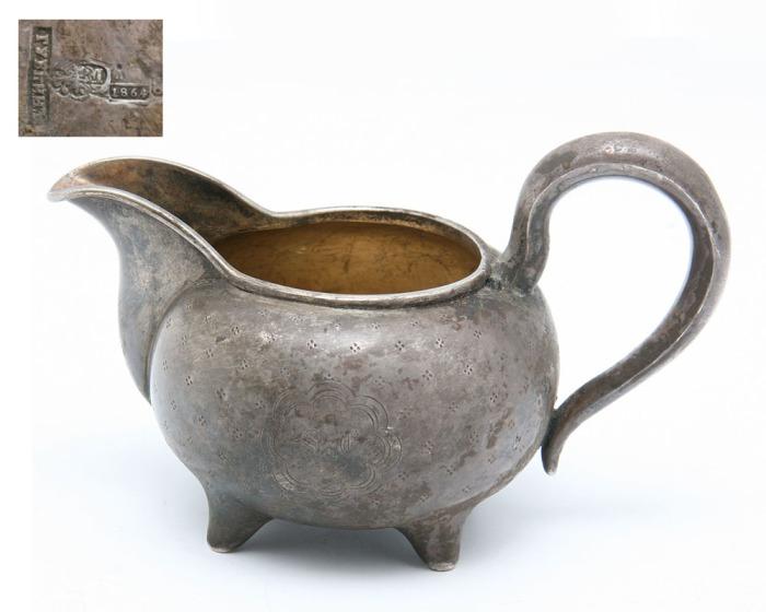 Губкин изготавливал предметы из золота и серебра.
